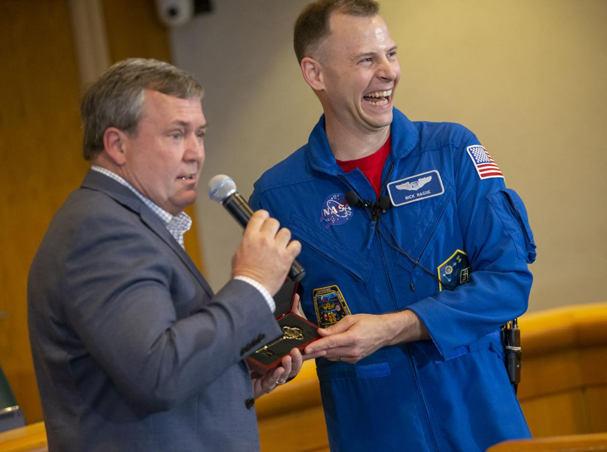 Friendswood welcomes astronaut home