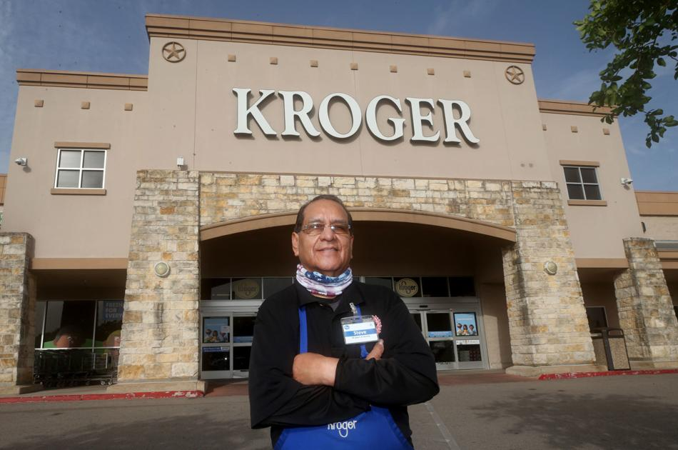 Dickinson Kroger's 'local legend' retires after 50 years