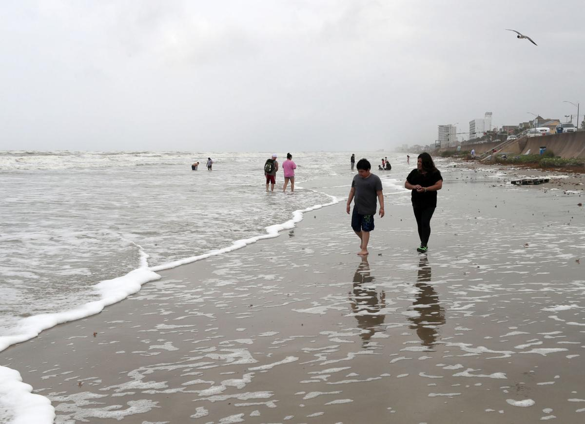 Wind pushes Gulf tides to unusual heights | News | The Daily News