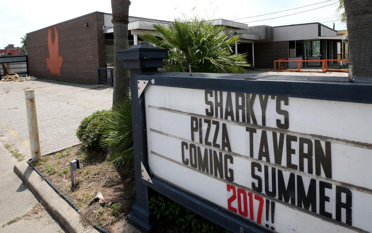 Sharky's Pizza Tavern