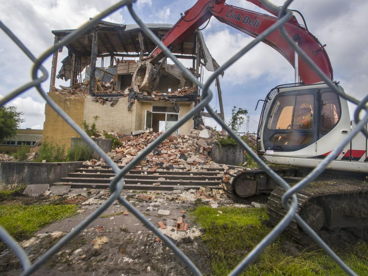 La Marque school demolitions rouse memories, residents say
