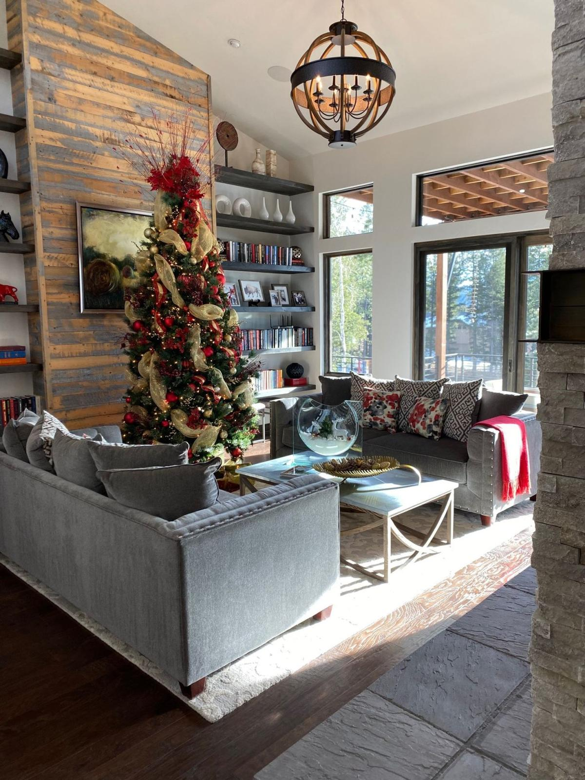 Getting festive at Holiday Home Tour