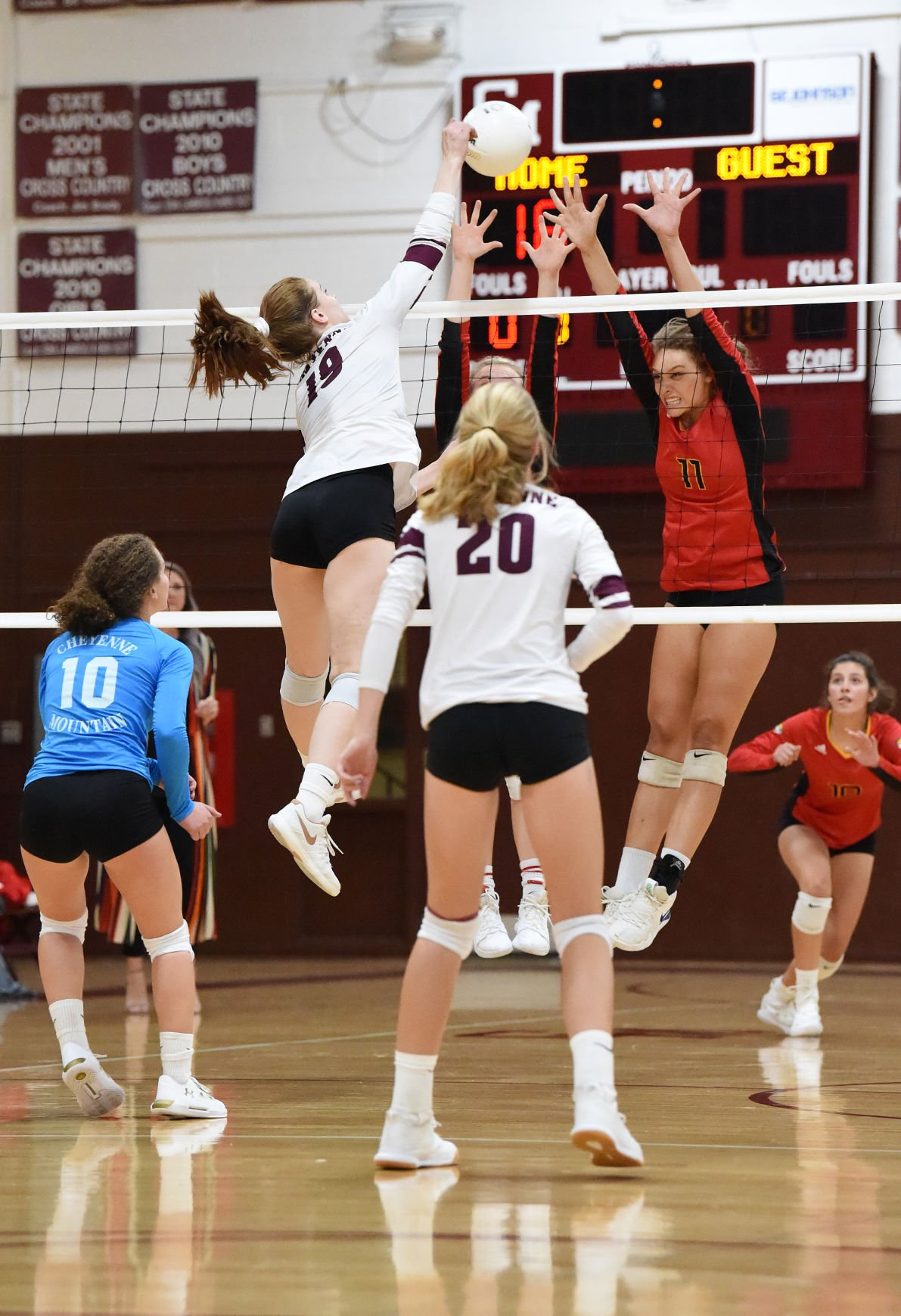 Cheyenne Mountain volleyball tops Coronado 3-2