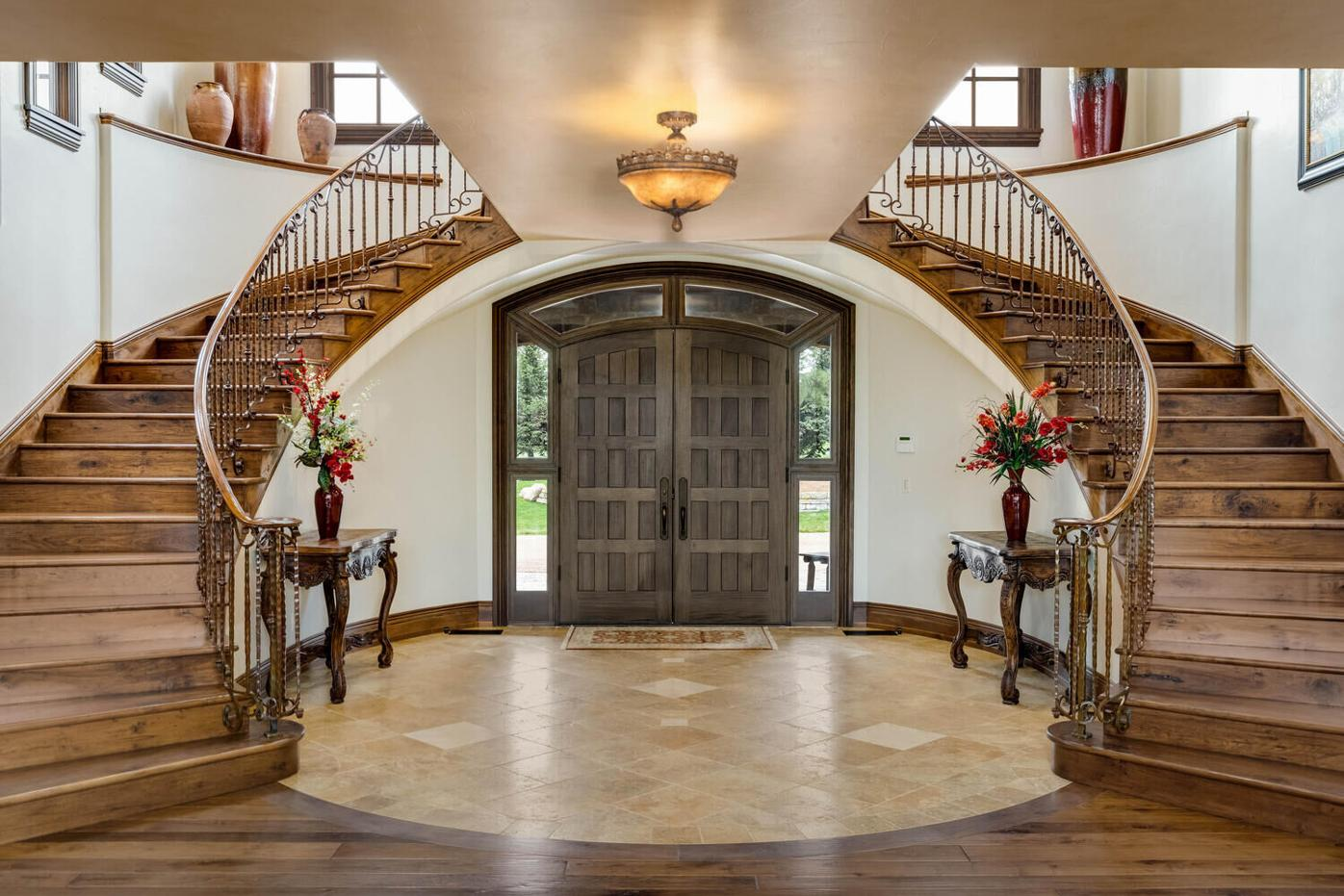 Record Selling Price Home-Entry