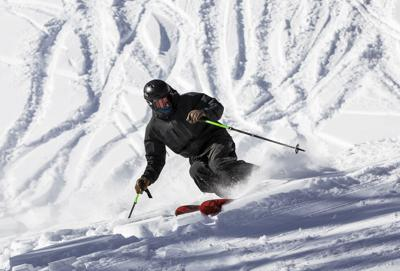 102920-news-skiing-dg 01.jpg (copy)