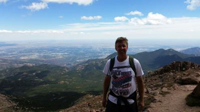 Sports reporter Danny Summers hopes to hike Pikes Peak