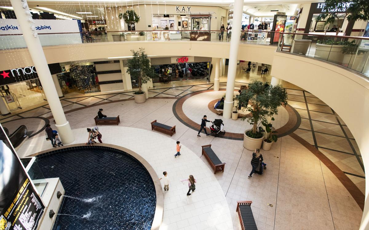 031019-biz-malls 3.jpg