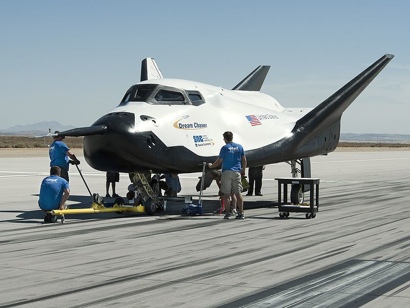 800px-Dream_Chaser_pre-drop_tests.7.jpg