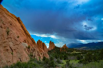 Garden of the Gods park and Pikes Peak (copy)