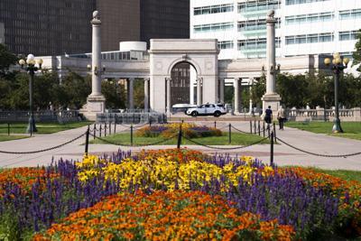 090821 Civic Center Park blooms (web copy)
