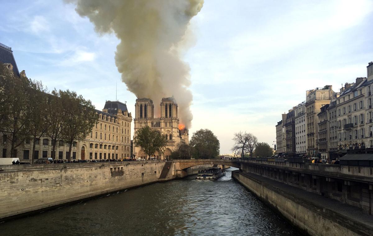APTOPIX France Notre Dame Fire