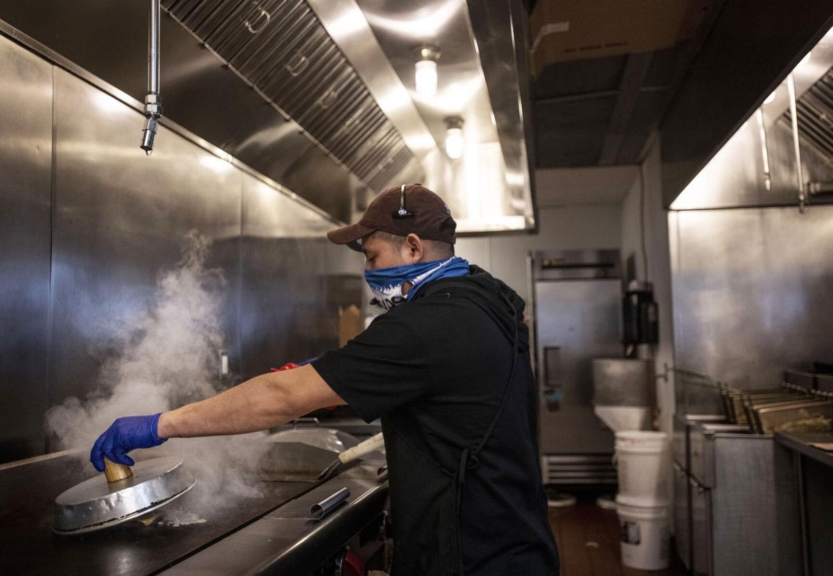 040421-biz-restaurantbuildings 01