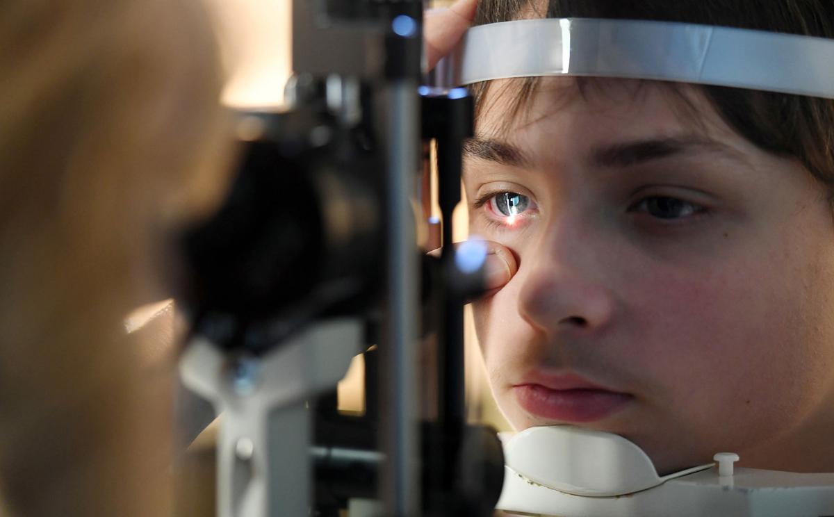 0aeba3bbaf7e1 Specter of blindness stalks family of Olympic medalist Steven ...