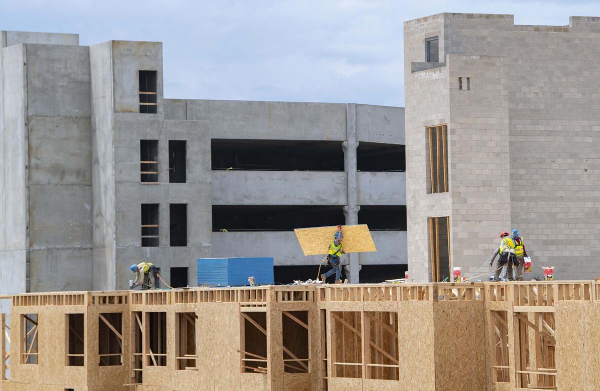 070421-biz-construction 1.jpg