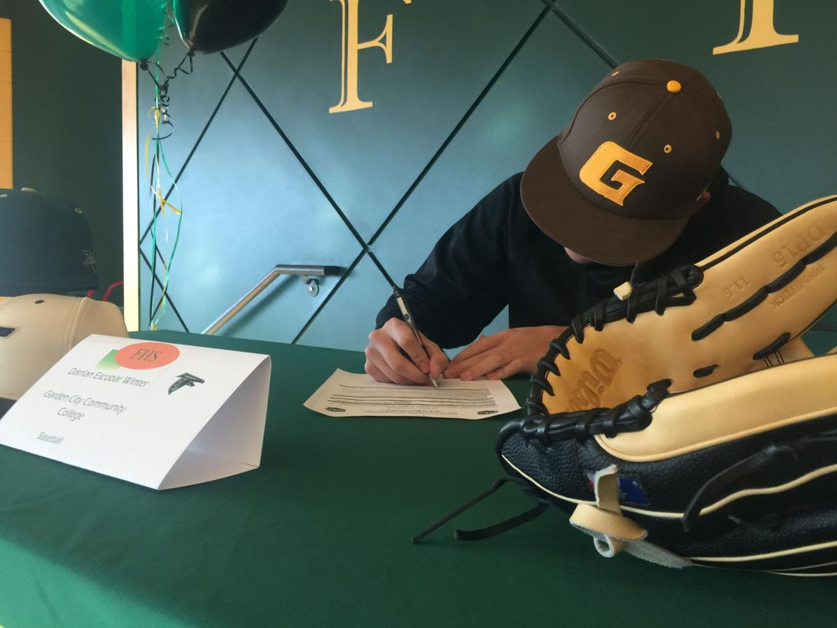 Colorado Springs-area athletes sign National Letters of Intent