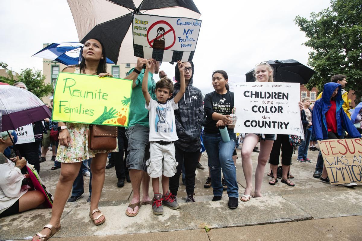 070118-news-immigrationrally-004.jpg