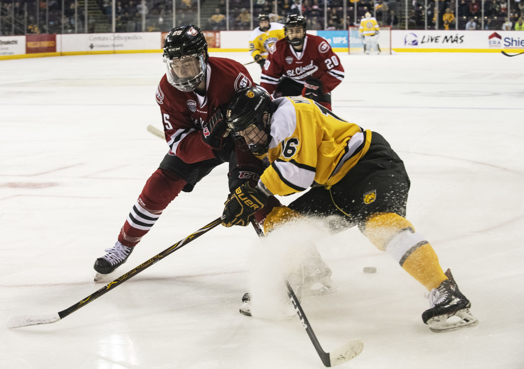NCHC: CC's Middendorf Utilizes Good Genes, Elite Training As He Tries To Make Mark In College Hockey