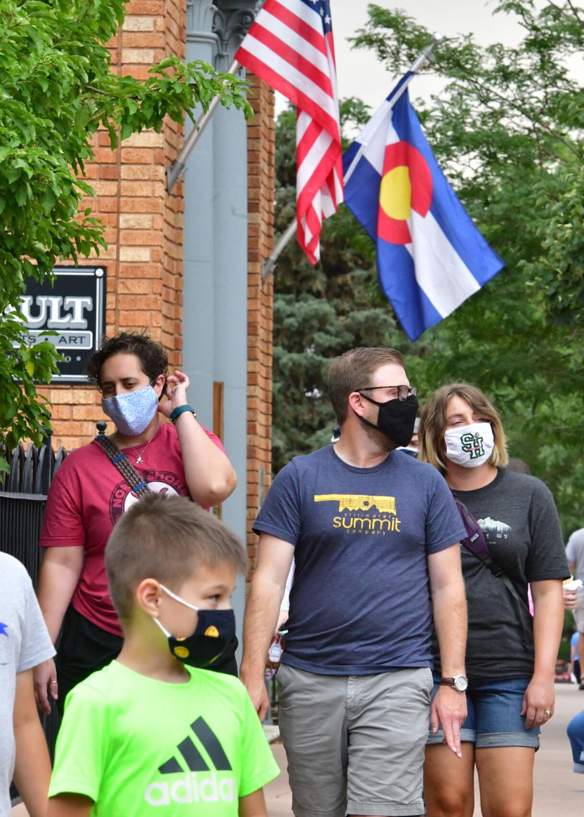 Shoppers wear masks in Manitou Springs