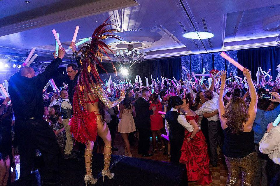 From dinner on a train to a gala in a castle: Where to spend New Year's Eve in Colorado Springs