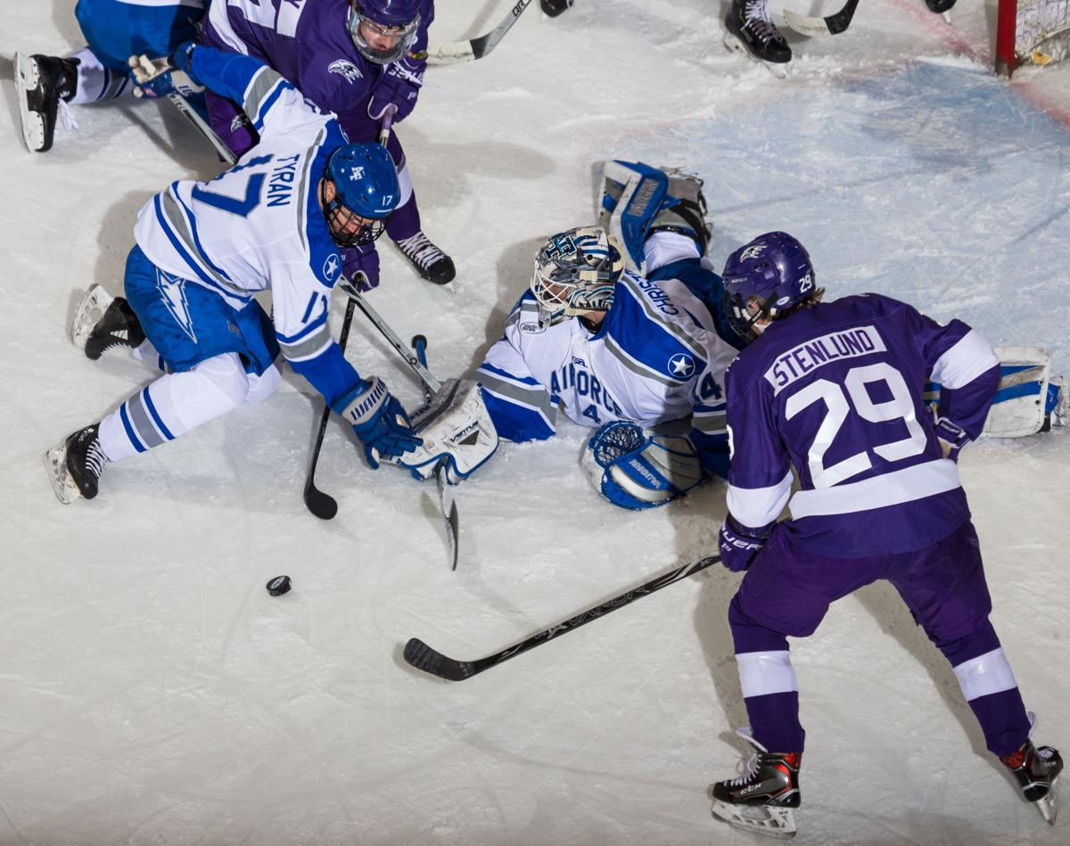 Air Force Falcons fall to foe Niagara Purple Eagles 5-4