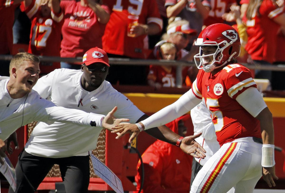 2b01bbd9286 Woody Paige: Patrick Mahomes and Kansas City Chiefs bring lots of offense to  Denver matchup