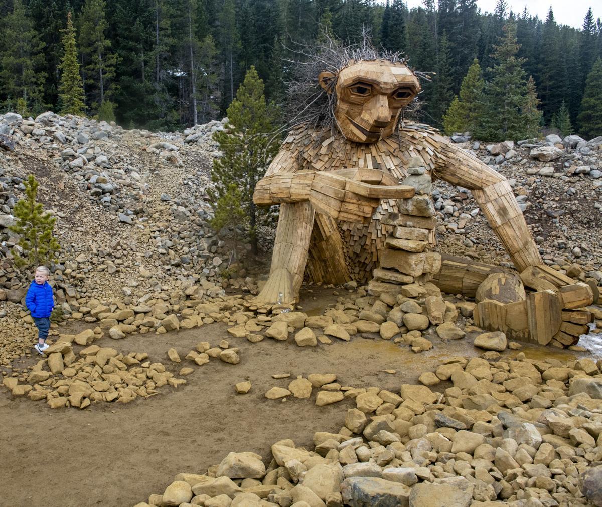 102818-life-travel-troll 004