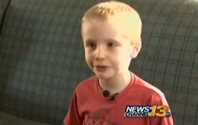 Girl's mother praises boy's kissing suspension