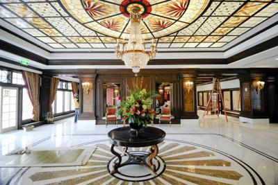 A glittering achievemenet: AAA again names Colorado Springs' Broadmoor hotel as five-diamond property