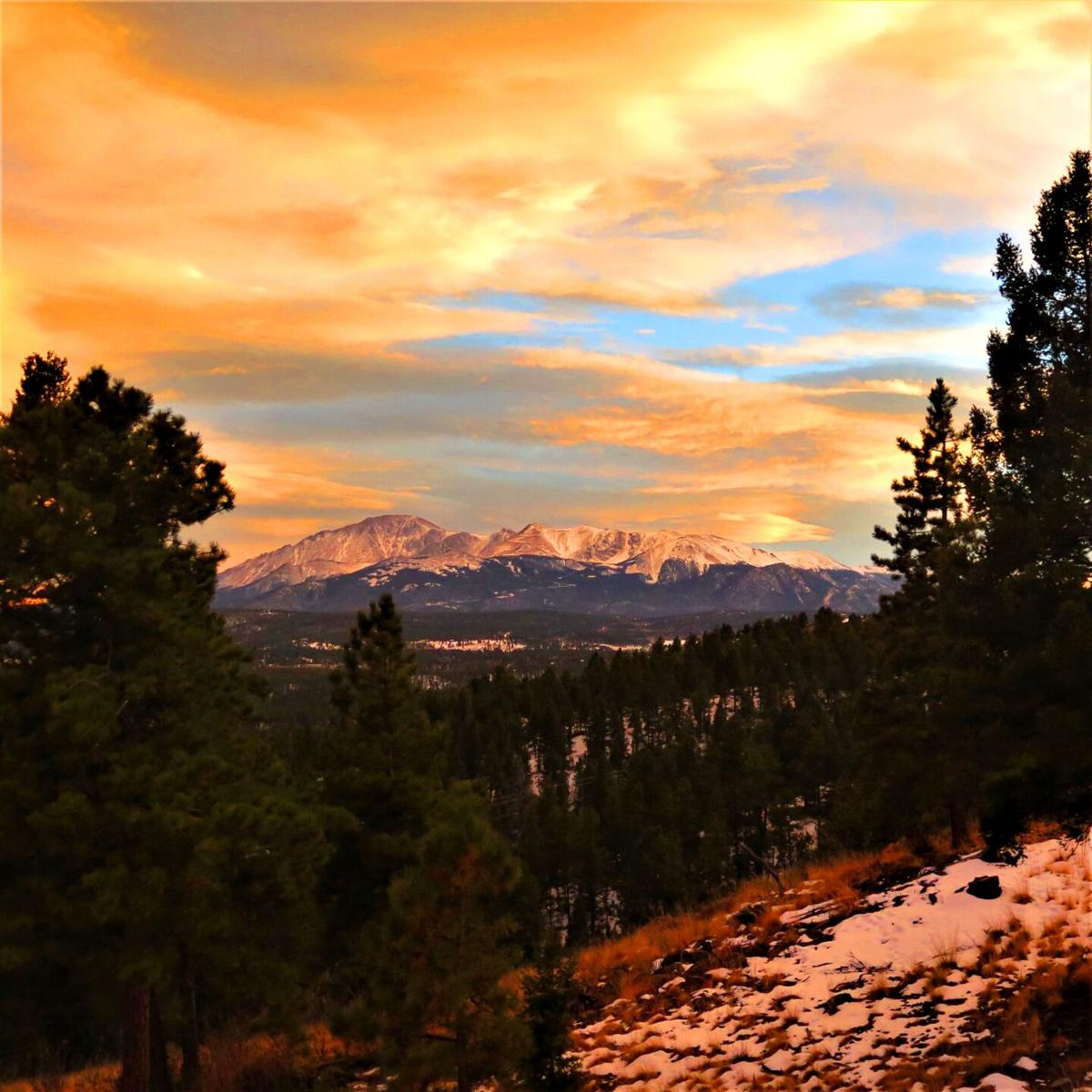 'Gorgeous' sunset in the Pikes Peak region