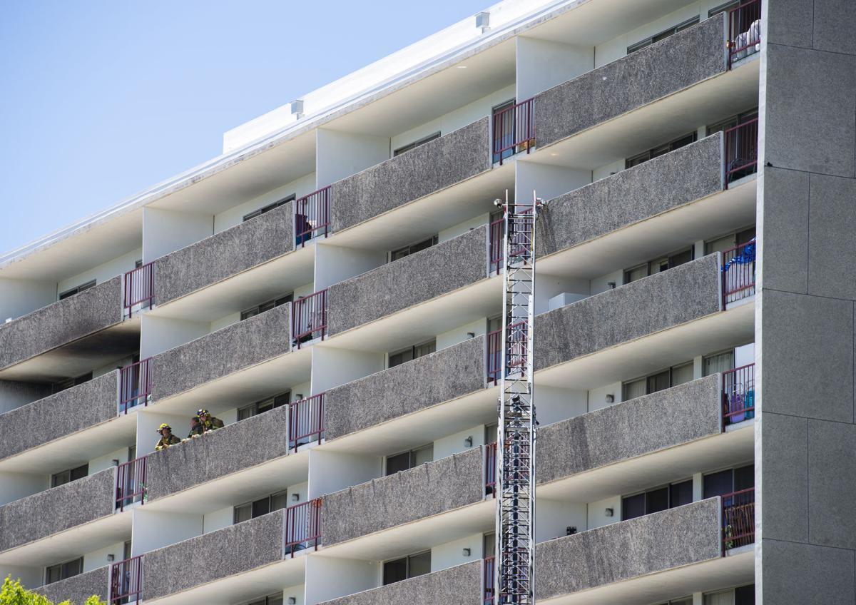 052419-news-apartment fire 2.jpg