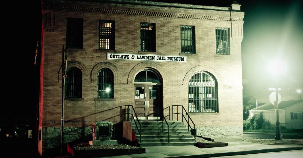 Ghost walk tours give spooky history of Cripple Creek
