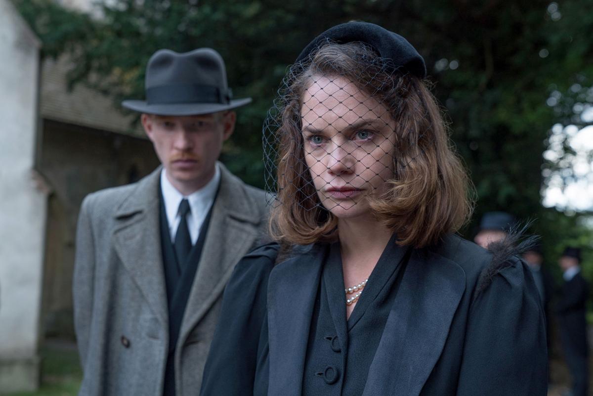 film-stranger-review-adv31-d6d681e4-ab97-11e8-8a0c-70b618c98d3c.jpg
