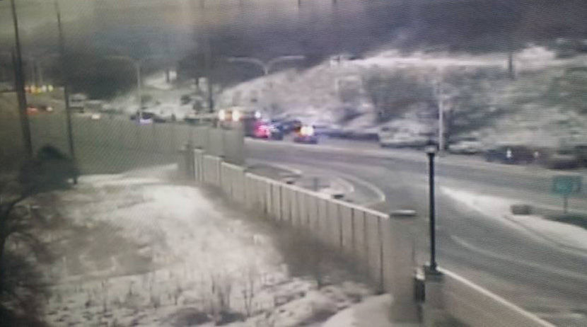 Crash kills 2 on Austin Bluffs Parkway