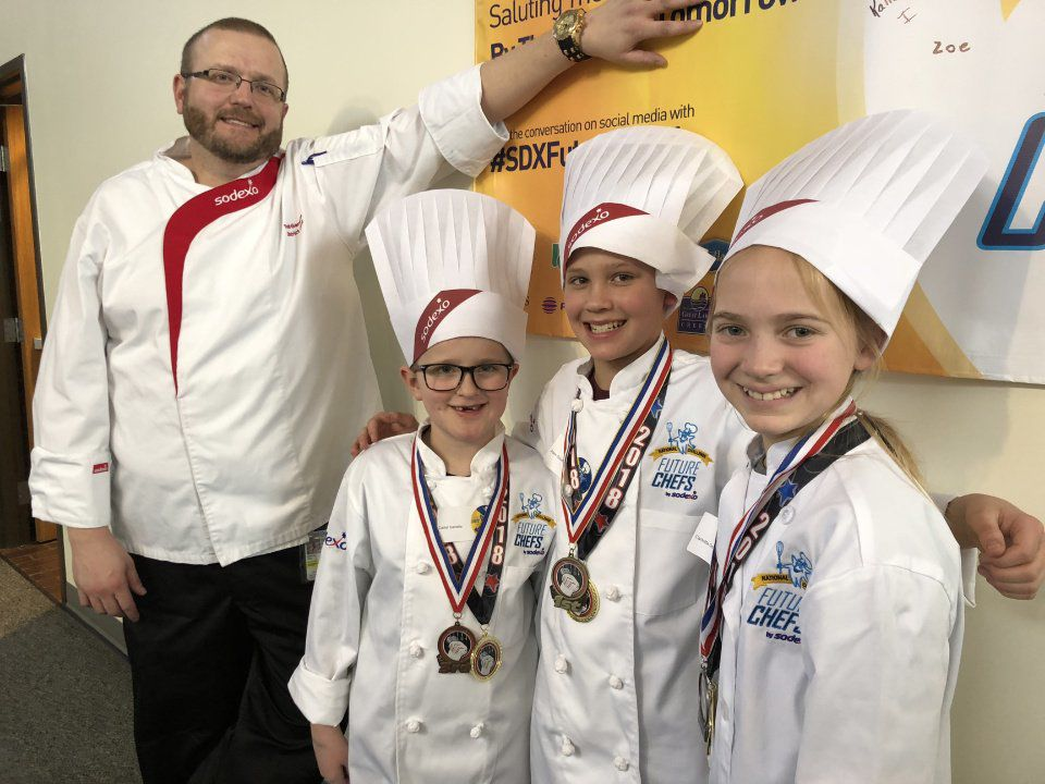 Colorado Springs elementary school kids compete in district cooking contest