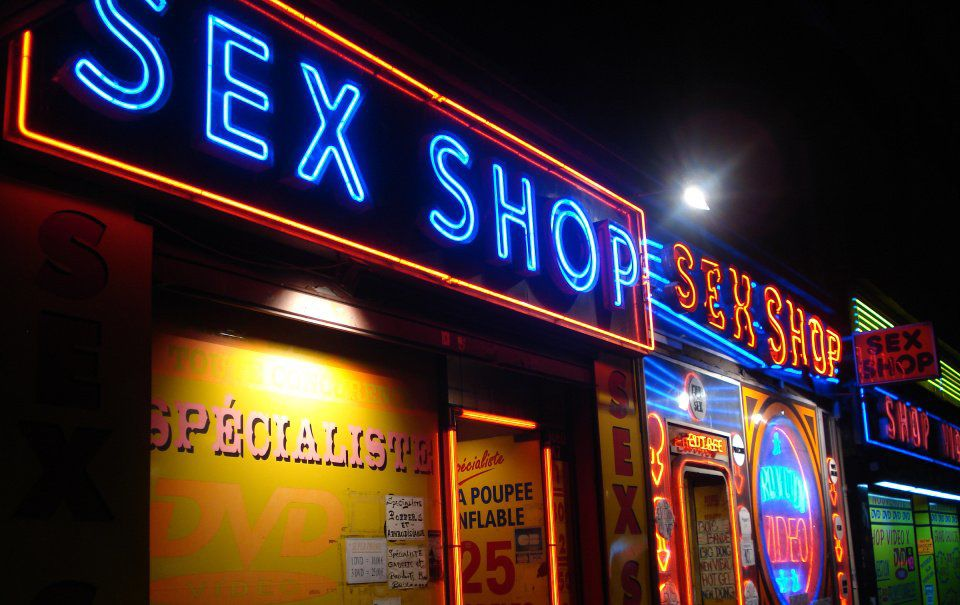 Manitou Springs extends ban on sex shops