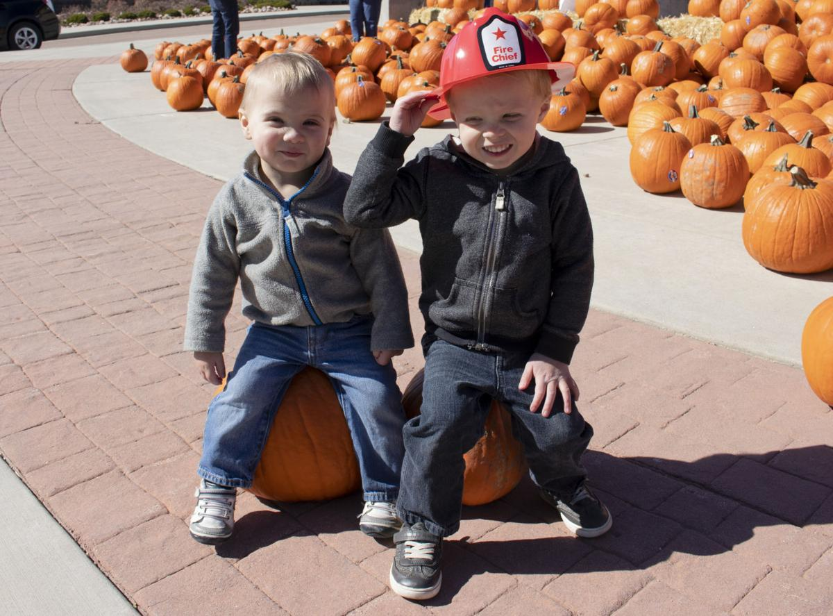 Pumpkin giveway gets Tri-Lakes in full gear for Halloween
