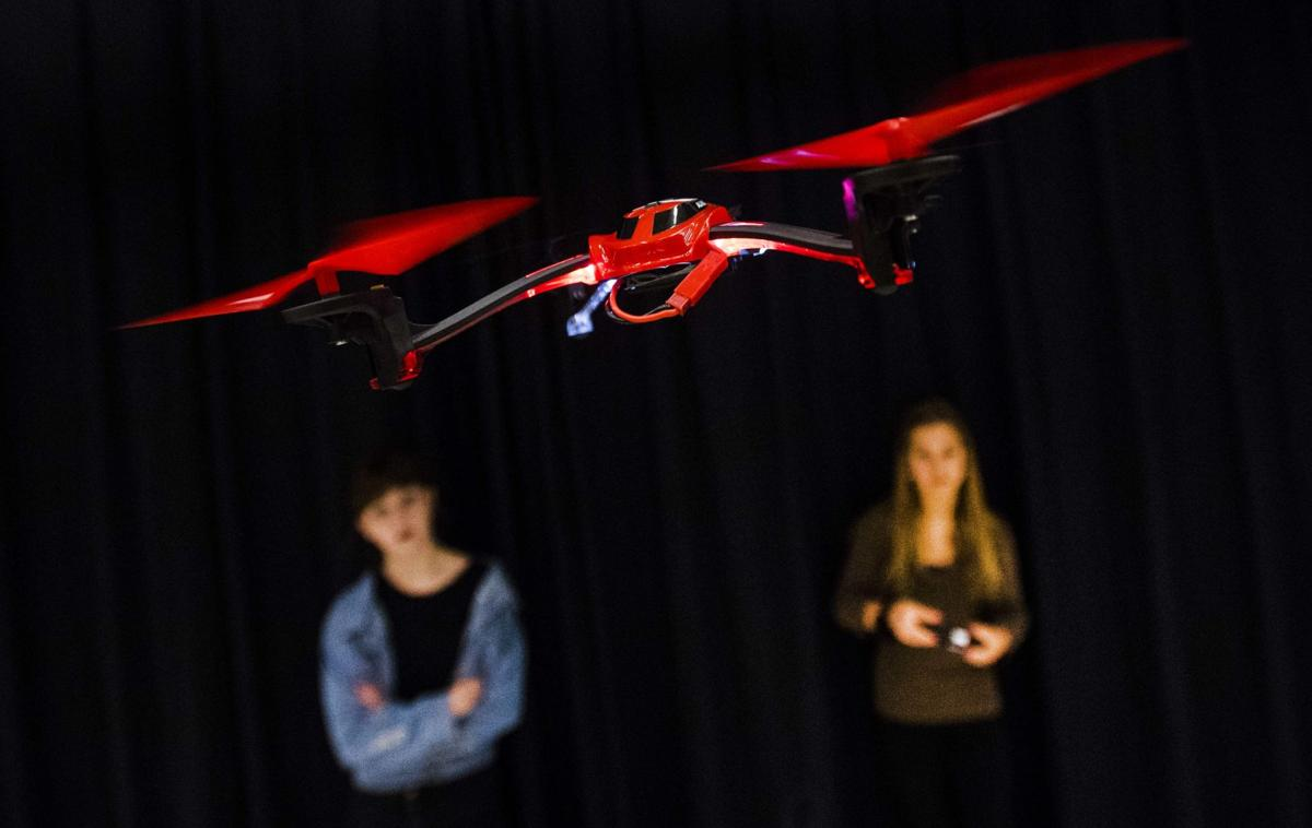 Colorado Springs middle-schoolers learn drone technology in new flight and space class