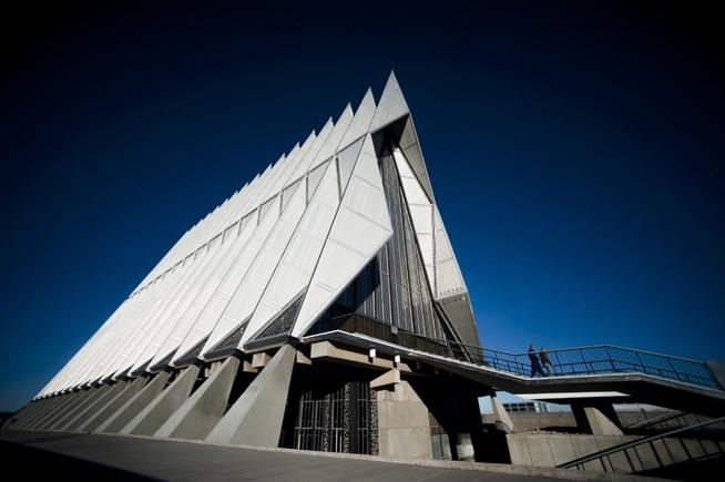 Air Force Academy probes alleged frosh cheating, athlete misconduct