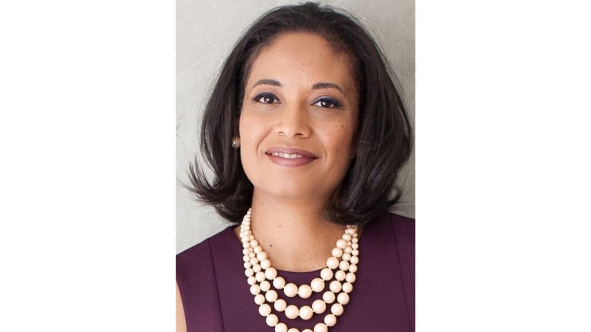 Dr. Lisa Calderón