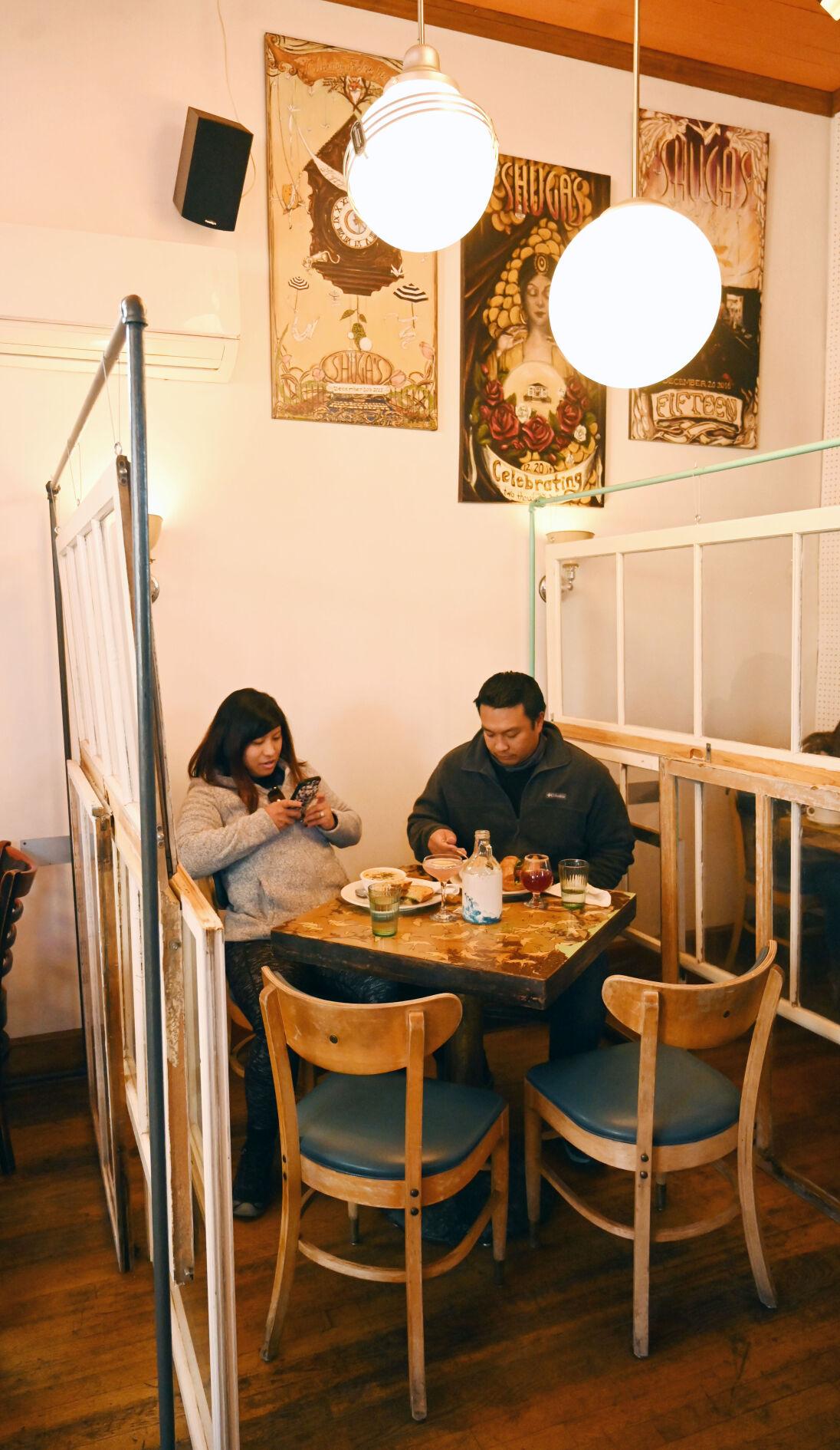 010521-news-restaurants 02.JPG