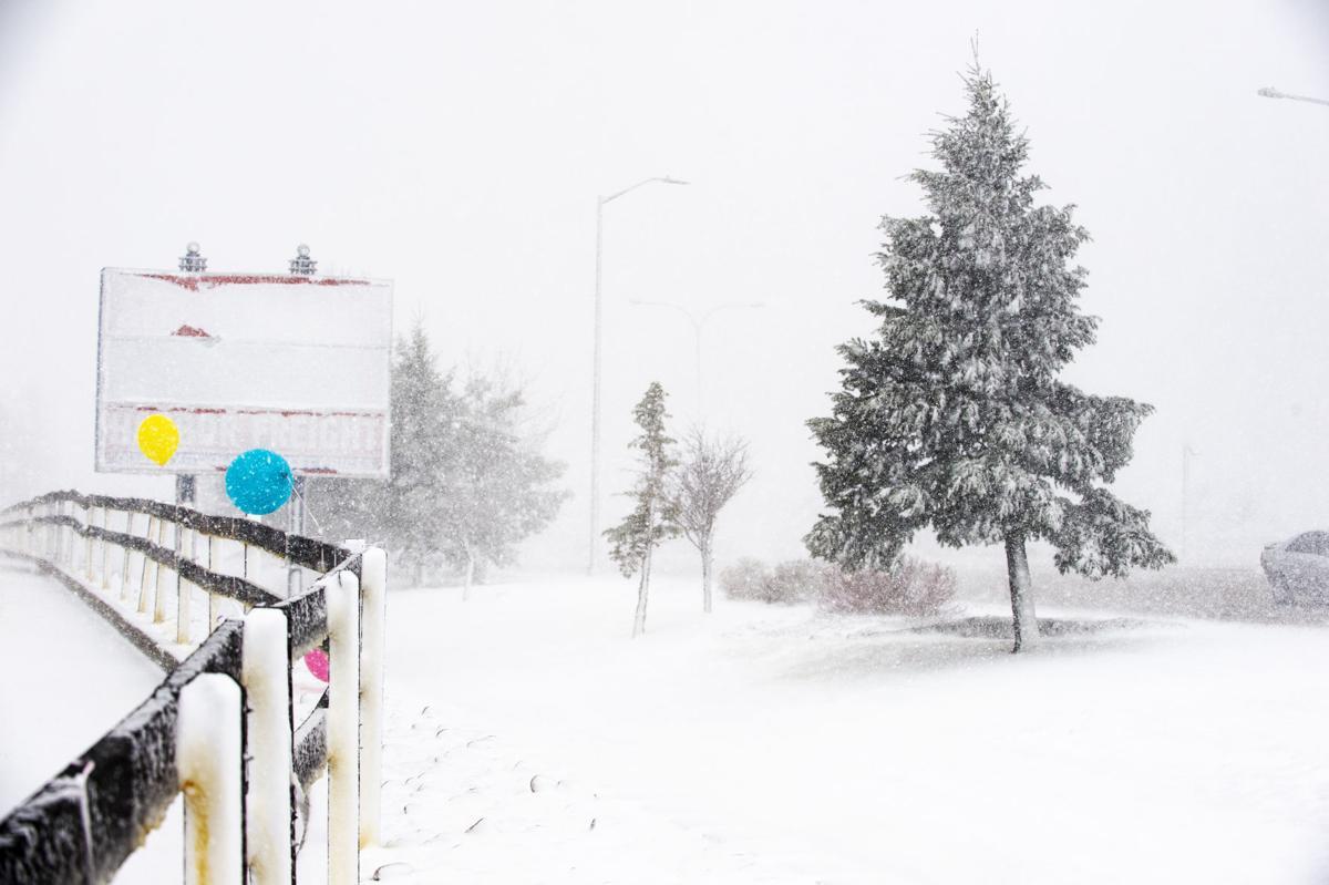 Colorado Springs bears blizzard conditions in bomb cyclone