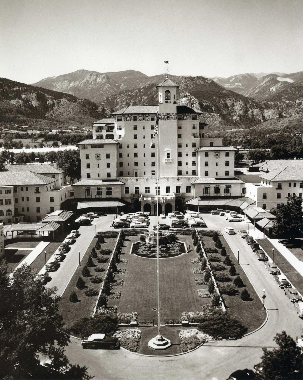 Broadmoor Main building 1950.jpeg