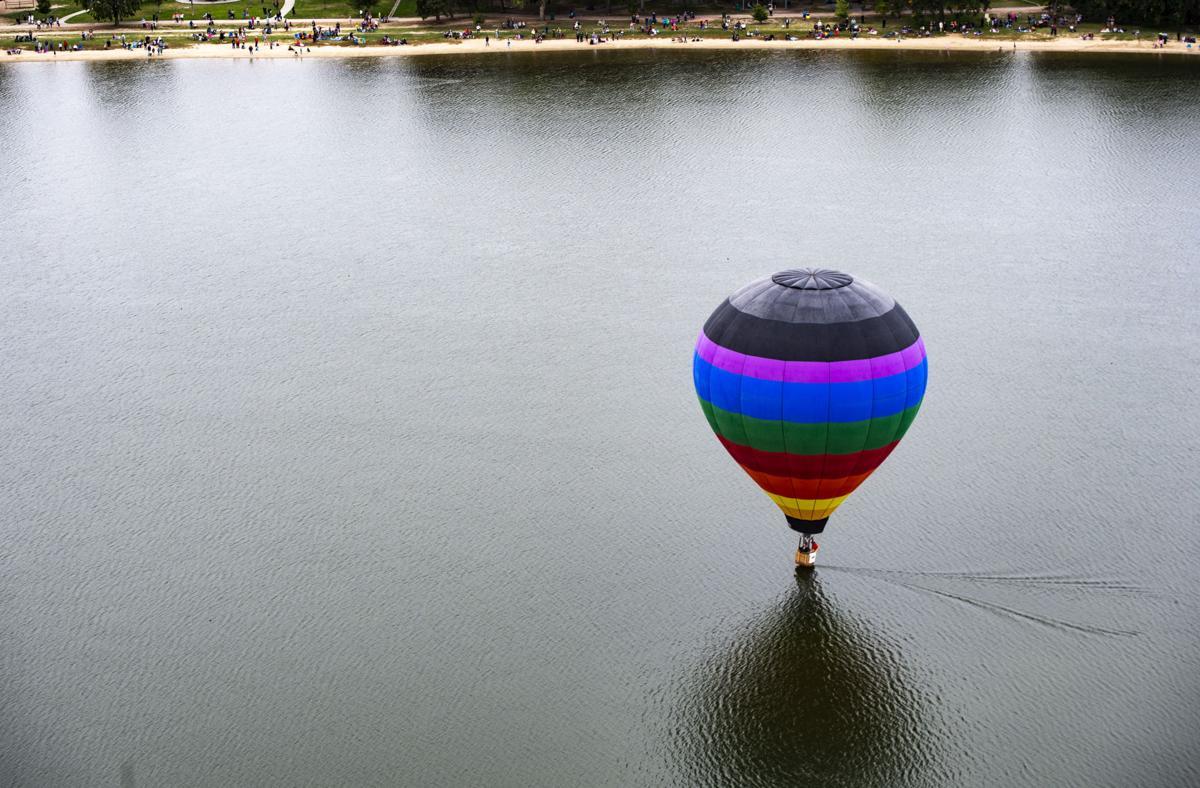 090218-news-balloonliftoff-0385.jpg