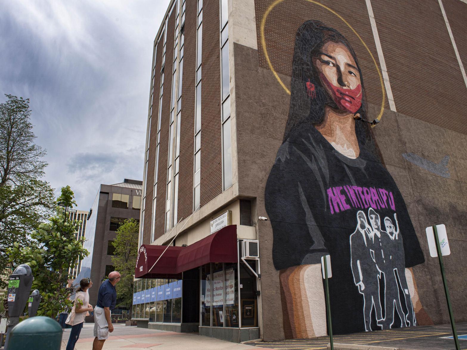 New Colorado Springs Mural Addresses Plight Of Indigenous Community Arts Entertainment Gazette Com