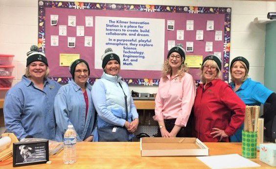 Tri-Lakes women visit Kilmer Elementary innovation classes