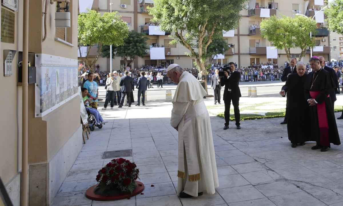 Pope pays tribute in Sicily to priest slain by mafia