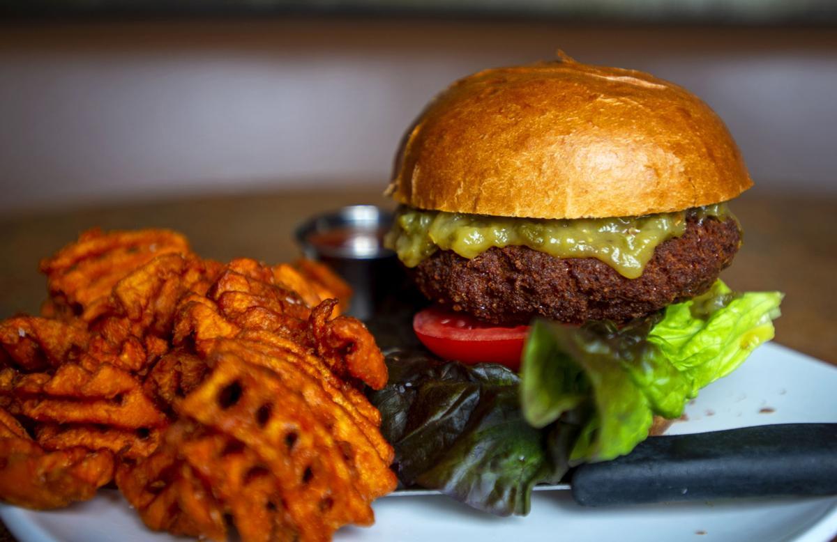 062619-food-mainbaconburger 3.JPG