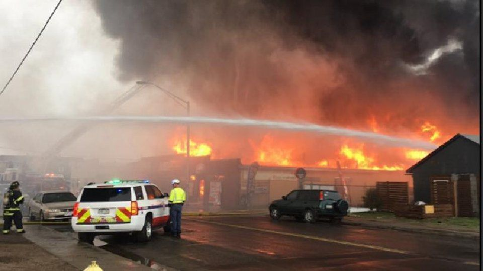 Homes evacuated as fire spreads from northern Colorado tire shop