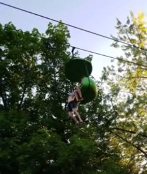 How To Catch Falling Son >> Video Shows A Teen Falling Off A Six Flags Ride And A Crowd