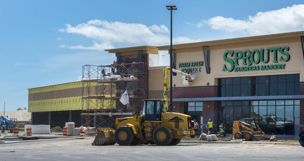 LongHorn Steakhouse, Sprouts open in May at northeast side